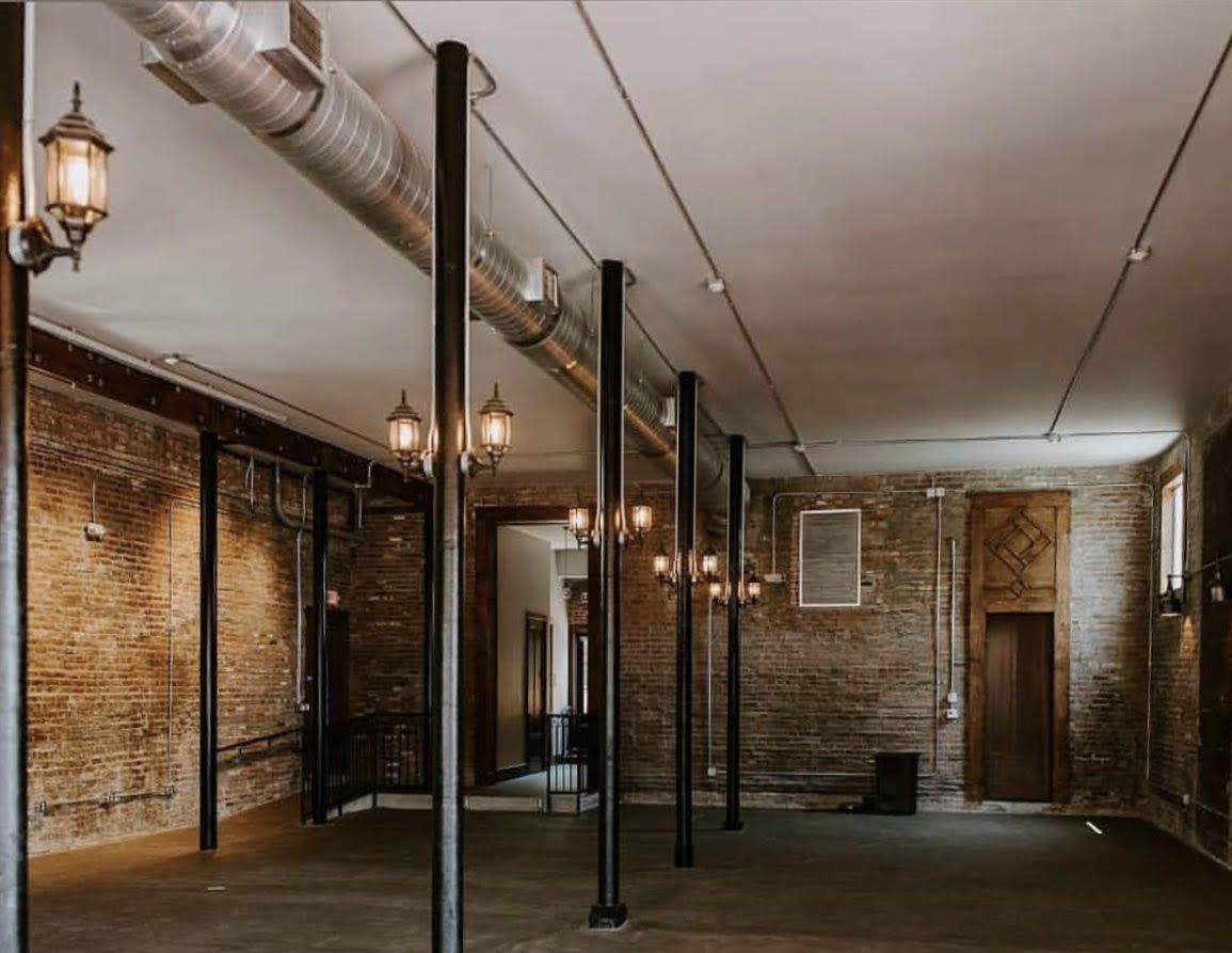 Empty room with lighting and concrete floors